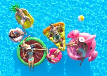 Los flotadores más lindos y divertidos que todos necesitamos para el próximo verano